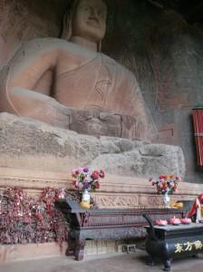 Le grand Bouddha, taillé dans la falaise, à Leshan