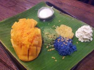 """""""mango sticky rice"""" : mangue, riz gluant, coco"""