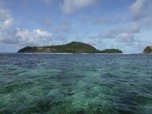 Vue sur l'île Thérèse qui a la forme d'une tortue.