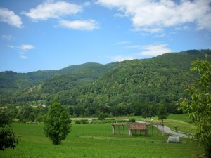 Le petit village Kozaršce