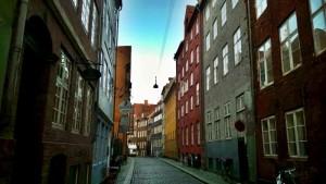 Une rue typiquement Danoises avec ses maisons colorées