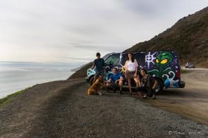Rencontre émouvante de jeunes aventuriers à la rue que nous avons pris en stop le long de la côte de Big Sur.