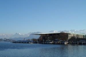 Vue sur le KKL : Centre de Culture et des Congrès de Lucerne