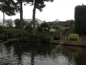 Les belles demeures qui bordent la Tamise près de Windsor.
