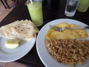 Petit-déjeuner maldivien avec le délicieux mashuni