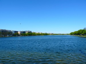 Vue des lacs depuis le pont de la reine Louise.