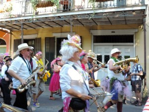 Une parade pour Pâques, mais il y en a pour chaque occasion (Halloween, Mardi Gras, Saint Patrick…)