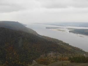 une vue sur la Volga dans les environs de Togliatti