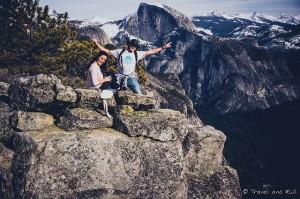 """En haut des chutes de Yosemite avec le """"Half Dome"""" derrière. Yosemite National Park - USA"""