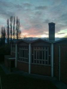 vue sur l'église de la résidence depuis ma chambre